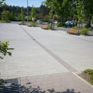 Gestraalde betonstraatstenen