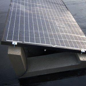 Betonnen montagesysteem zonnepanelen